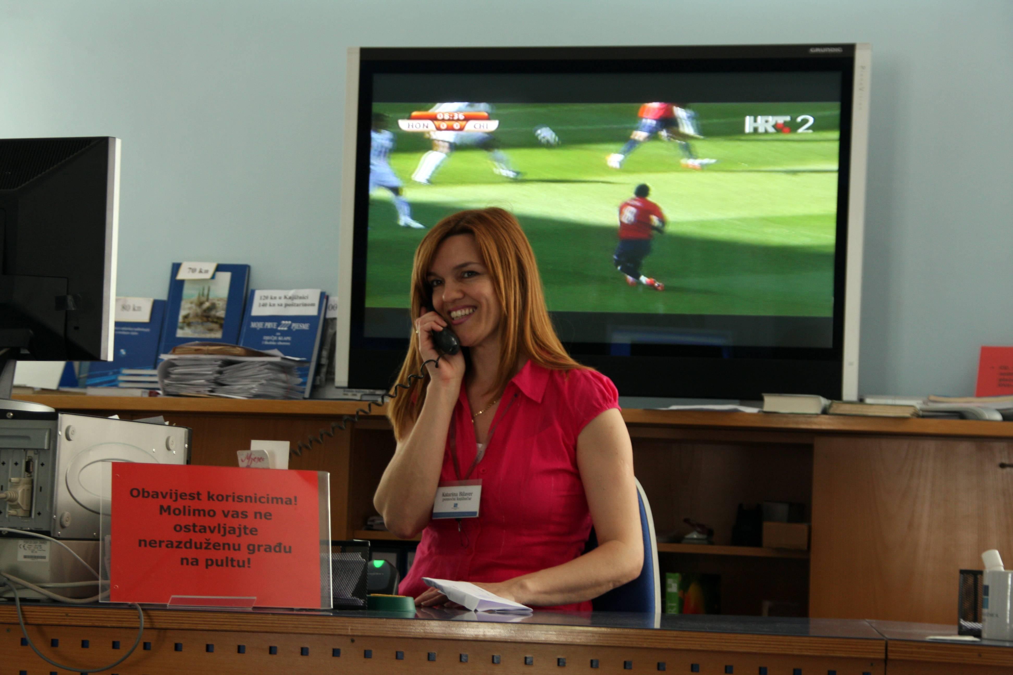 Pult Knjižnice tijekom Svjetskog prvenstva u nogometu 2010.