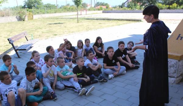 Bajkoplov - Kraljevna na zrnu graska